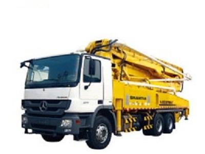 Xe tải bơm bê tông
